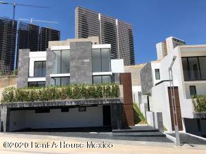 Casa En Ventaen Huixquilucan, Bosque Real, Mexico, MX RAH: 21-235