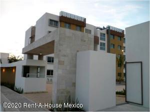 Departamento En Rentaen Queretaro, El Refugio, Mexico, MX RAH: 21-236