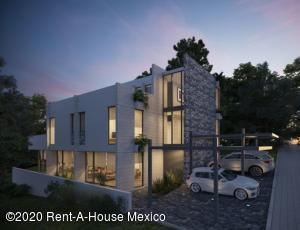 Casa En Ventaen Huixquilucan, Bosque Real, Mexico, MX RAH: 21-244