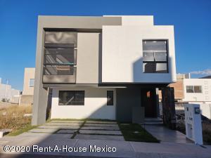 Casa En Ventaen Queretaro, El Mirador, Mexico, MX RAH: 21-259
