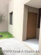 Departamento En Rentaen El Marques, Zibata, Mexico, MX RAH: 21-378