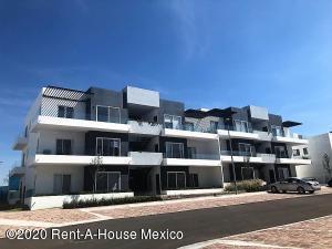 Departamento En Rentaen El Marques, Zibata, Mexico, MX RAH: 21-379