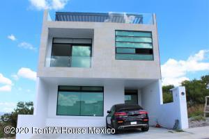 Casa En Rentaen El Marques, Zibata, Mexico, MX RAH: 21-393