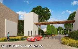 Terreno En Ventaen Pachuca De Soto, Zona Plateada, Mexico, MX RAH: 21-407