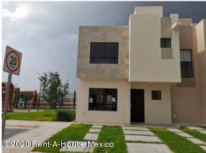 Casa En Ventaen El Marques, Rincones Del Marques, Mexico, MX RAH: 21-417