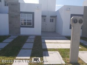 Casa En Ventaen Queretaro, Eduardo Loarca, Mexico, MX RAH: 21-428