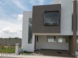 Casa En Ventaen Queretaro, El Mirador, Mexico, MX RAH: 21-457