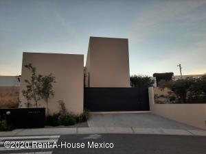 Casa En Ventaen El Marques, Zibata, Mexico, MX RAH: 21-189