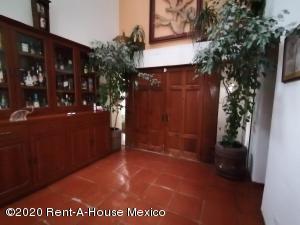 Casa En Ventaen Naucalpan De Juarez, Lomas De Tecamachalco, Mexico, MX RAH: 21-592