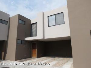 Casa En Rentaen Queretaro, El Refugio, Mexico, MX RAH: 21-609