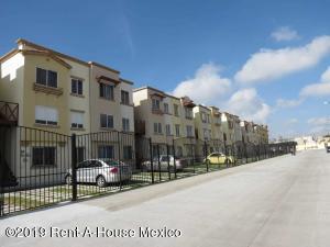 Departamento En Ventaen El Marques, Real Solare, Mexico, MX RAH: 21-621