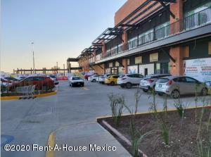 Local Comercial En Rentaen Queretaro, El Refugio, Mexico, MX RAH: 21-669
