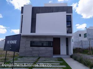 Casa En Ventaen Pachuca De Soto, Valle Del Sol, Mexico, MX RAH: 21-720