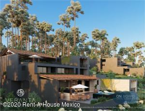 Casa En Ventaen Valle De Bravo, Valle De Bravo, Mexico, MX RAH: 21-730