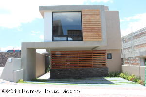Casa En Ventaen El Marques, Zibata, Mexico, MX RAH: 21-772