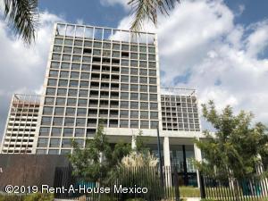 Departamento En Ventaen Queretaro, Santa Fe De Juriquilla, Mexico, MX RAH: 21-931