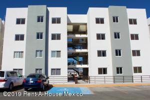 Departamento En Ventaen Corregidora, Los Candiles, Mexico, MX RAH: 21-959