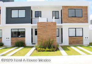 Departamento En Ventaen El Marques, Zakia, Mexico, MX RAH: 21-975