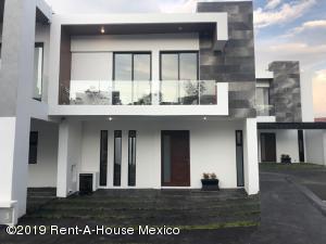 Casa En Ventaen El Marques, Zibata, Mexico, MX RAH: 21-1033