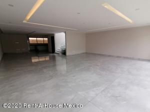 Casa En Ventaen Naucalpan De Juarez, Lomas De Tecamachalco, Mexico, MX RAH: 21-1075