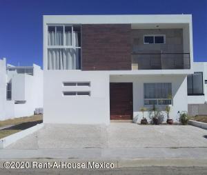 Casa En Ventaen Queretaro, San Isidro Juriquilla, Mexico, MX RAH: 21-1172