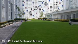 Departamento En Rentaen Huixquilucan, Bosques De Las Palmas, Mexico, MX RAH: 21-1180