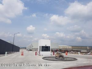 Nave Industrial En Rentaen Corregidora, Los Angeles, Mexico, MX RAH: 21-1207