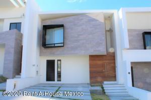 Casa En Rentaen El Marques, Zibata, Mexico, MX RAH: 21-1212