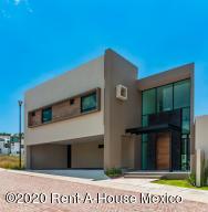 Casa En Ventaen Queretaro, Cumbres Del Lago, Mexico, MX RAH: 21-1221