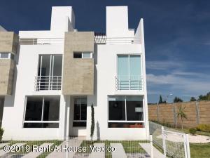 Casa En Ventaen Queretaro, Sonterra, Mexico, MX RAH: 21-1247