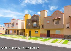 Casa En Ventaen Pachuca De Soto, Valle Del Sol, Mexico, MX RAH: 21-1363