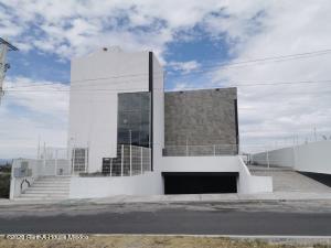 Oficina En Rentaen Corregidora, Tejeda, Mexico, MX RAH: 21-1385