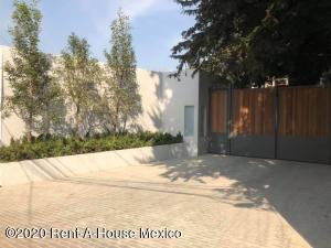 Casa En Rentaen Cuajimalpa De Morelos, Cuajimalpa, Mexico, MX RAH: 21-1434