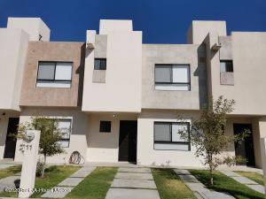 Casa En Rentaen El Marques, Rincones Del Marques, Mexico, MX RAH: 21-1436