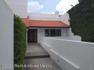 Departamento En Rentaen Huixquilucan, La Herradura, Mexico, MX RAH: 21-1657