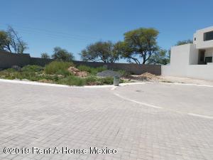 Terreno En Ventaen Corregidora, Canadas Del Arroyo, Mexico, MX RAH: 21-1666