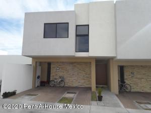 Casa En Rentaen Queretaro, El Refugio, Mexico, MX RAH: 21-1716