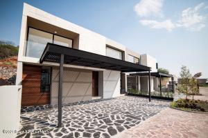Casa En Ventaen Queretaro, Altozano, Mexico, MX RAH: 21-1732