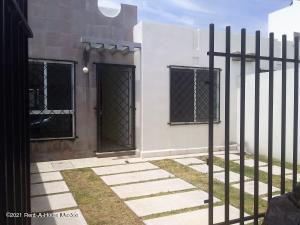 Casa En Rentaen Queretaro, Vinedos, Mexico, MX RAH: 21-1757
