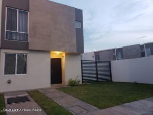 Casa En Rentaen El Marques, Zakia, Mexico, MX RAH: 21-1759
