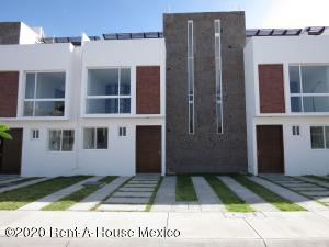 Casa En Ventaen Corregidora, Santa Fe, Mexico, MX RAH: 21-1789