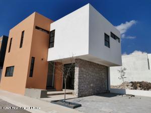Casa En Ventaen Queretaro, El Mirador, Mexico, MX RAH: 21-1855