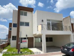 Casa En Rentaen Queretaro, El Refugio, Mexico, MX RAH: 21-2093