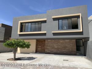 Casa En Ventaen Corregidora, Ampliacion Huertas Del Carmen, Mexico, MX RAH: 21-2109