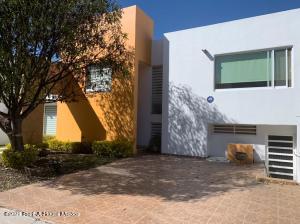 Casa En Ventaen Queretaro, Mision Conca, Mexico, MX RAH: 21-2249
