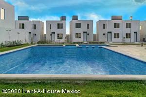 Casa En Ventaen Kanasin, Residencial Las Palmas, Mexico, MX RAH: 21-2292