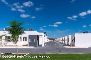 Casa En Ventaen Kanasin, Residencial Las Palmas, Mexico, MX RAH: 21-2293