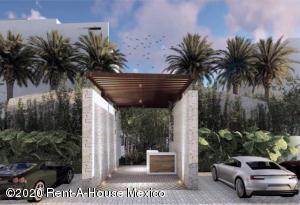 Departamento En Ventaen Tulum, La Veleta, Mexico, MX RAH: 21-2340