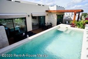 Departamento En Ventaen Tulum, La Veleta, Mexico, MX RAH: 21-2341