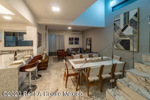 Casa En Ventaen Playa Del Carmen, The Fives, Mexico, MX RAH: 21-2387